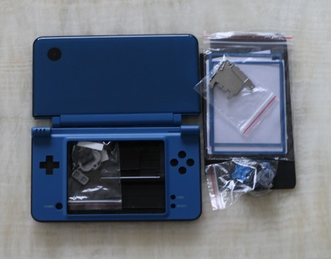 for dsixl for dsill case shell housing BLUE with small parts inside