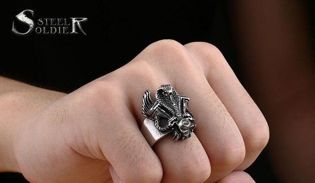 Мужское кольцо в виде змеи из нержавеющей стали