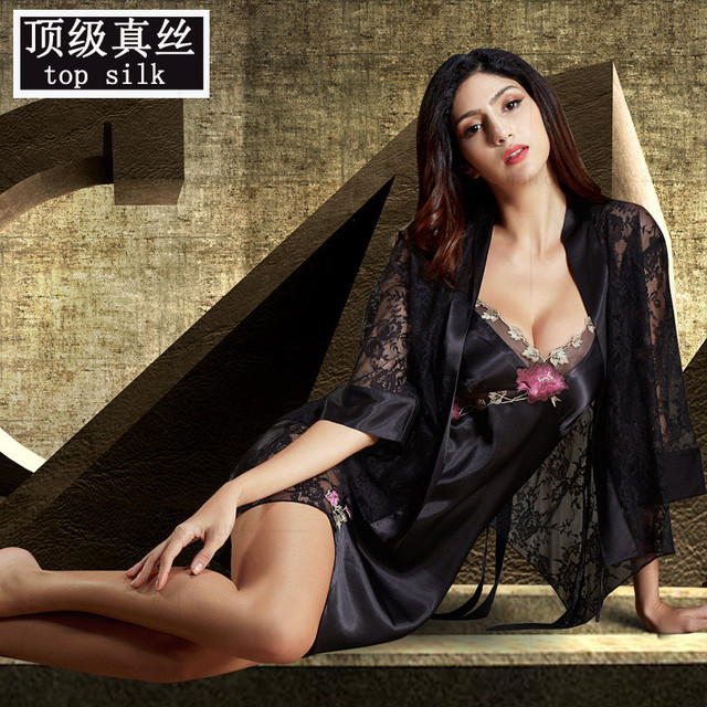 2016 Real Women Robe Sets Half Sleeve Solid Bathrobes Lace Embroidery Sleepwear Sexy V-Neck Nightgowns Sale