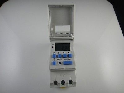 цена на Digital LCD Programmable Timer AC 220V 16A Time Relay Switch