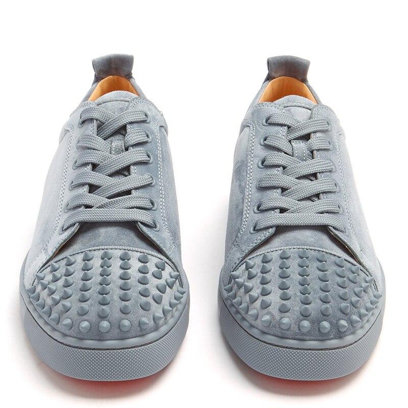 Secondes tuer Hommes Chaussures Chaussures en daim gris décontracté Rivet plat bas haut Spike baskets à lacets Hommes Chaussures de piste