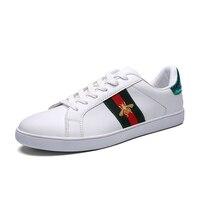 Unisex Skateboarding Shoes Men Shoe Sneakers Women Little Bee White Shoes Brand Comfortable 35 46 Male Shoes Cheap Men Sneakers