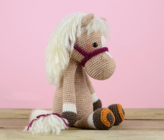 Gehaakte Paard baby rammelaar speelgoed pop gift