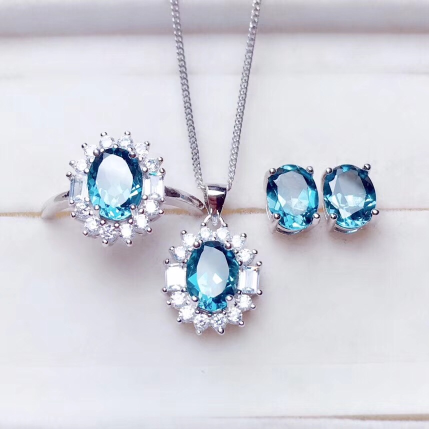 Clear Blue topaz gemstone jewelry set including ring earrings necklace with 925 silver 2Clear Blue topaz gemstone jewelry set including ring earrings necklace with 925 silver 2