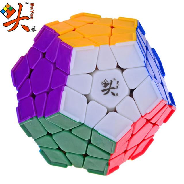 DaYan Megaminx Dodecaedro Magic Cube com Canto Ridges Stickerless Velocidade Cubos Puzzle Brinquedos para o miúdo Criança