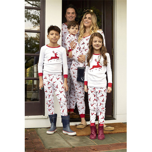 Christmas Deer Print Family Pajamas Set Adult Kids Sleepwear Nightwear  Outfits Mother Daughter Outfits Family Matching Clothes c100c20b6