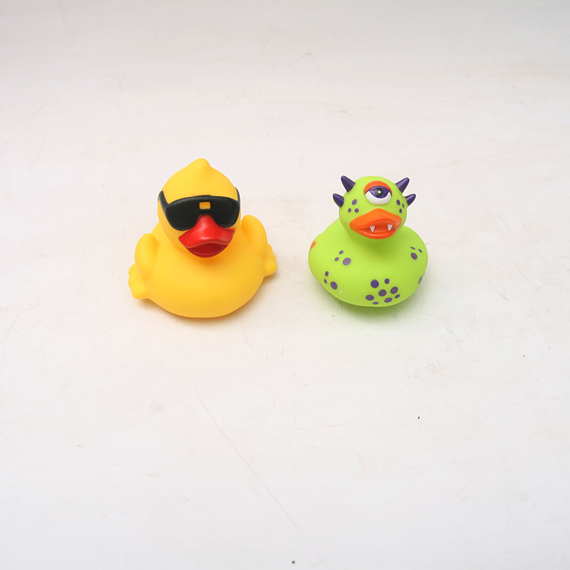 2PCS Cute Bath Bathing Classic Toys Rubber Race Yellow duck floating duck swimming duck