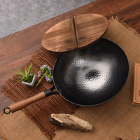 30/32/34cm Forged Hammer Iron Wok Stone Uncoated Physical Non stick Pan Cast Iron Round Dumpling Pan Kitchen Pots Cooking Pans
