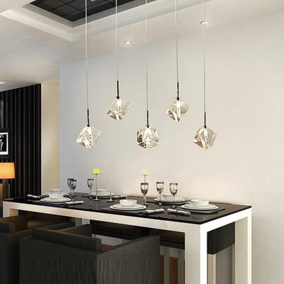 Işıklar ve Aydınlatma'ten Kolye ışıkları'de Şeffaf Kristal LED Yemek Odası Bar Kolye Işık Modern Moda Ev Oturma Odası Için Lambalar Basit Yaratıcı Ücretsiz kargo title=