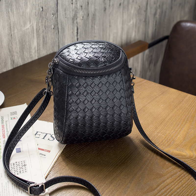 Free shipping, 2018 new women handbags, fashion Korean version shoulder bag, trend circular flap, weaving woman messenger bag. qiaobao 2018 new korean version of the first layer of women s leather packet messenger bag female shoulder diagonal cross bag