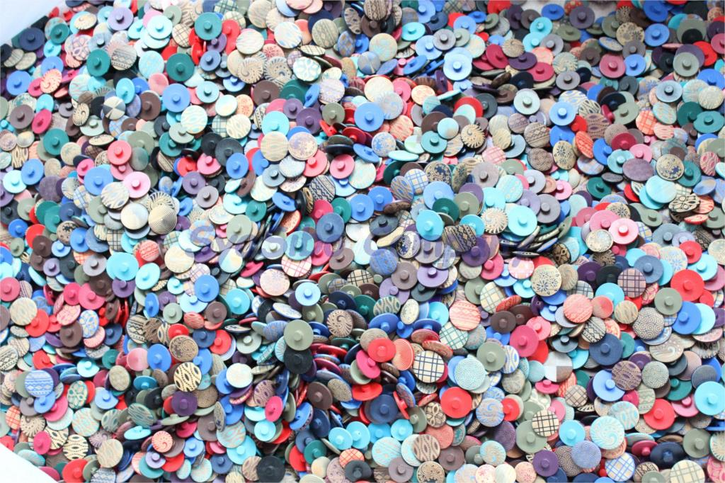 (80g/bag) Varnish Wooden Sewing Buttons With Shank Hat Scrapbook Accessories Assorted Buttons 20mm,23nn,25mm,28mm- ZH15
