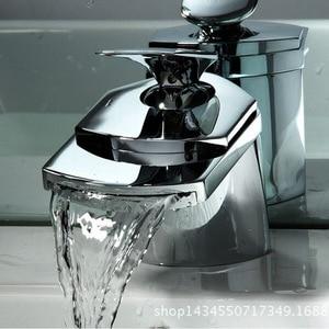 Image 1 - Küche wasserhahn außenhandel export breiten mund wasserfall wasserhahn schnabel wasserfall led waschbecken wasserhahn küche wasserhahn heißen und kalten
