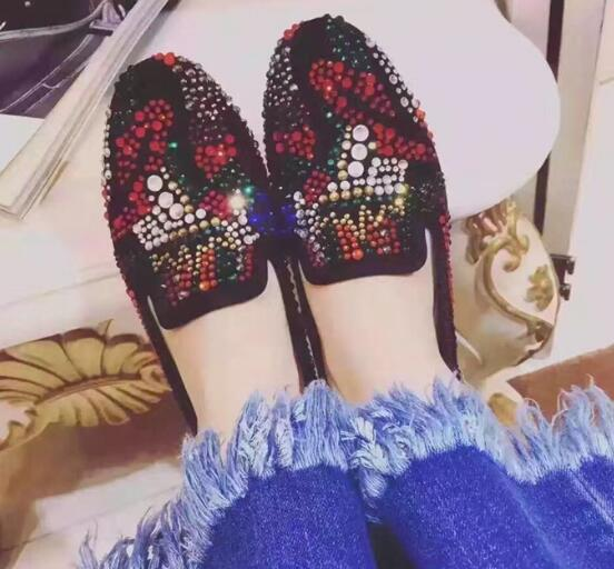 Newest rainbow crystal flat shoes 2017 high quality leather round toe casual shoes woman slip-on loafers single shoes fashion crystal embellished woman shoes gold metallic round toe slip on casual shoes 2017 high quality suede loafers