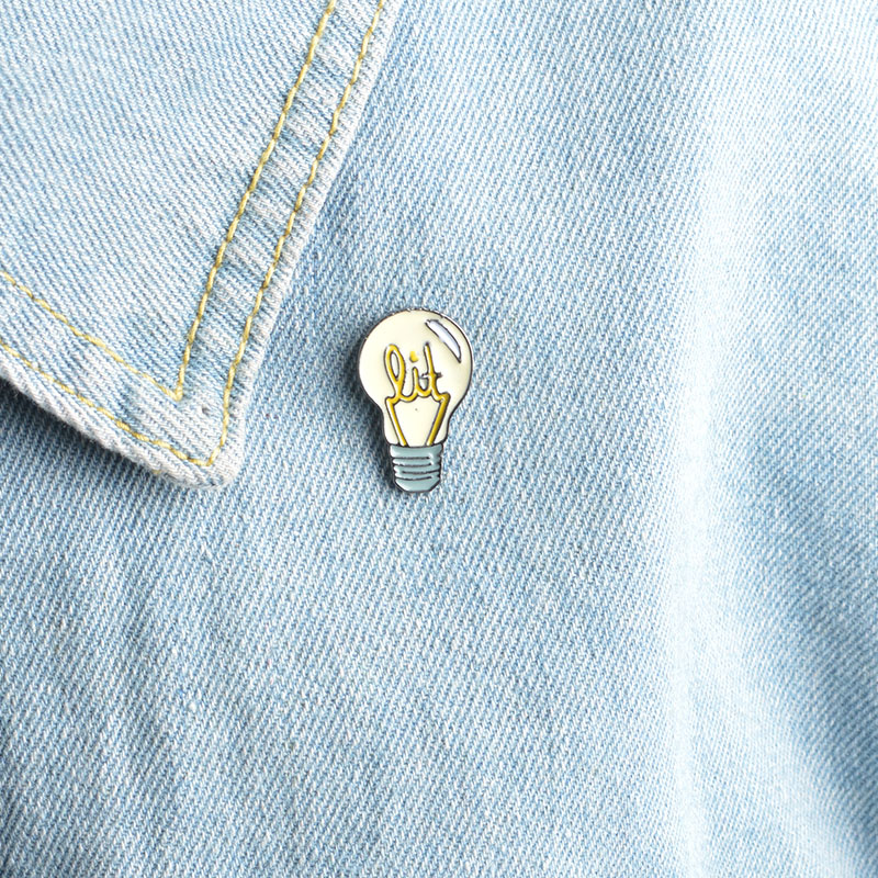 1 Pcs Cartoon Vintage Lamp Bulb Metal Badge Brooch Button Pins Denim Jacket Pin Jewelry Decoration Badge For Clothes Lapel Pins Badges Arts,crafts & Sewing