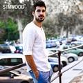 Simwood 2017 nueva primavera verano casual shirts hombres 100% lino puro transpirable o cuello marca clothing cs1594