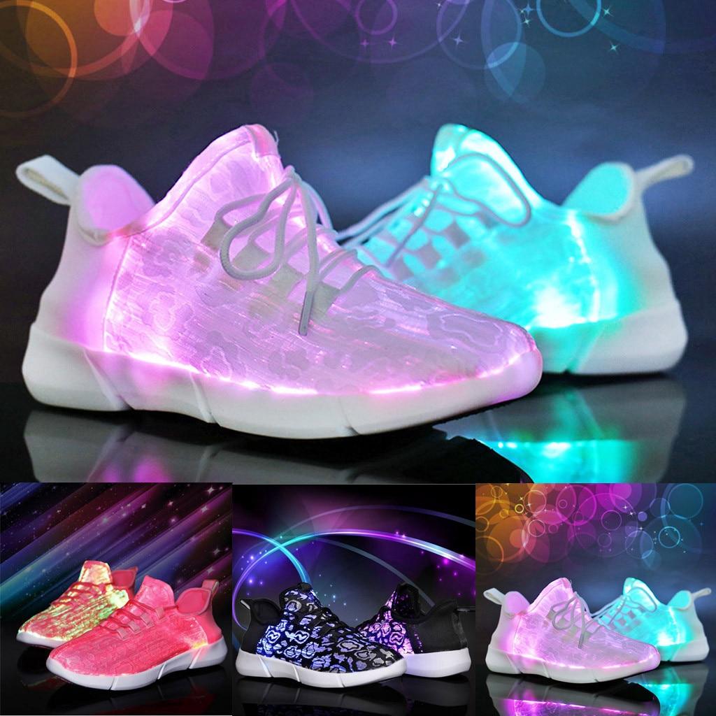 Charitable Couple Dentelle-up Led Lumière Casual Chaussures Coloré Flash Chaussures Respirant Sneakers De Haute Qualité à Main Occasionnel Solide Couleur Marque