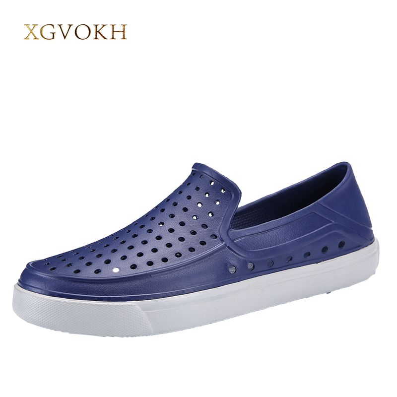 Men Sandals and slippers Summer Hollow Breathable Sandals Men slip on lighted outdoor Beach mens Leisure EVA shoes size 39-45