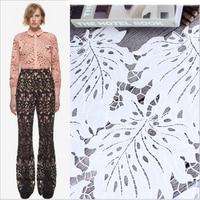 ホワイト中空アウト葉ファッションレース生地安い美しい生地のためのドレスメッシュtelas tecidosパラroupa織物博物館auメートル