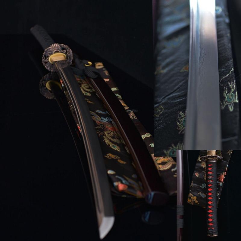 épée de katanas à la main Bushido katanas samouraï épées - Décor à la maison