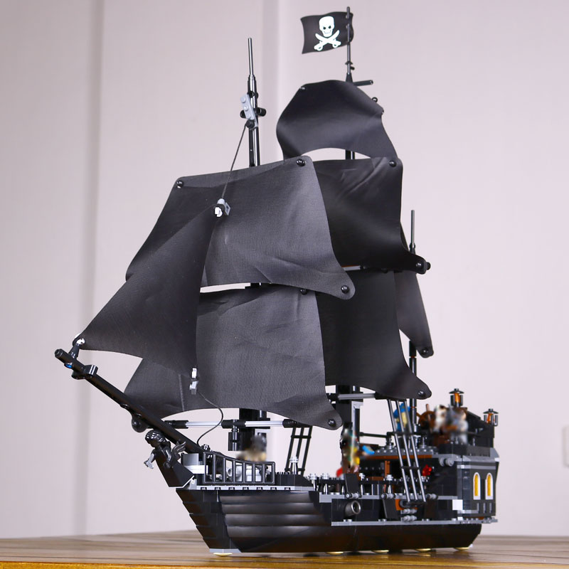 LEPIN 16006 Pirates of the Caribbean The Black Pearl Building Blocks Educational Funny Set 4184 Toy For Children Bricks Gifts lepin 22001 imperial warships 16006 black pearl ship model building blocks for children pirates series toys clone 10210 4184