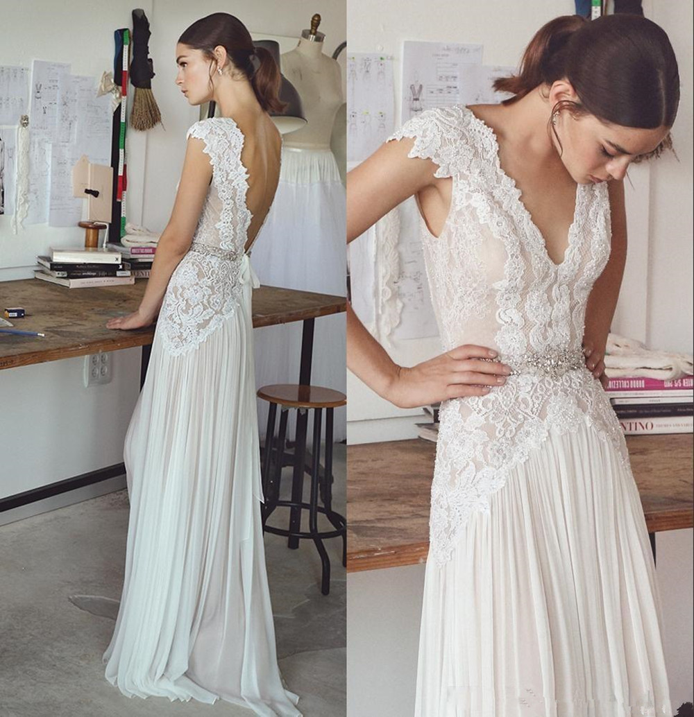 Vintage Boho Wedding Dresses 2018 Bohemian Bridal Gowns Cap Sleeves V Neck Pleated Skirt A Line