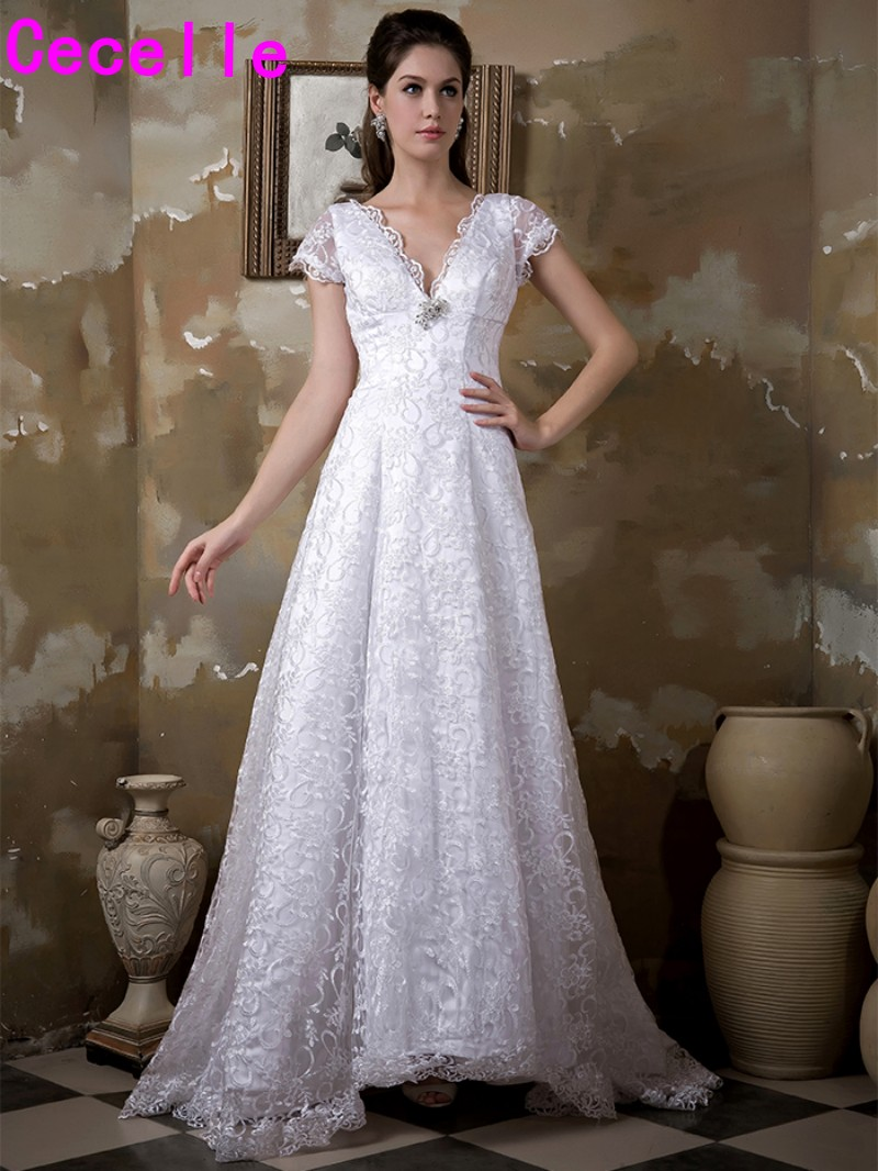 2019 Real Images A line Lace Modest Wedding Gowns With Sleeves Sheer Vintage Country Lace Bridal