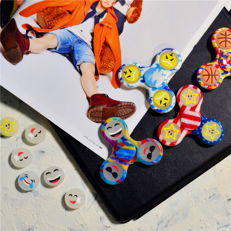 DHL EMS Free Shipping 100Pcs/Lot Glow In The Dark Skinner Fidget Tri-Spinner Smile Face Autism ADHD Anti Stress EDC Spiner