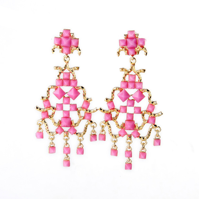 Personalized women earrings brand fashion jewelry charming peach personalized women earrings brand fashion jewelry charming peach pink pyramid shape gems embellished chandelier clip on aloadofball Image collections