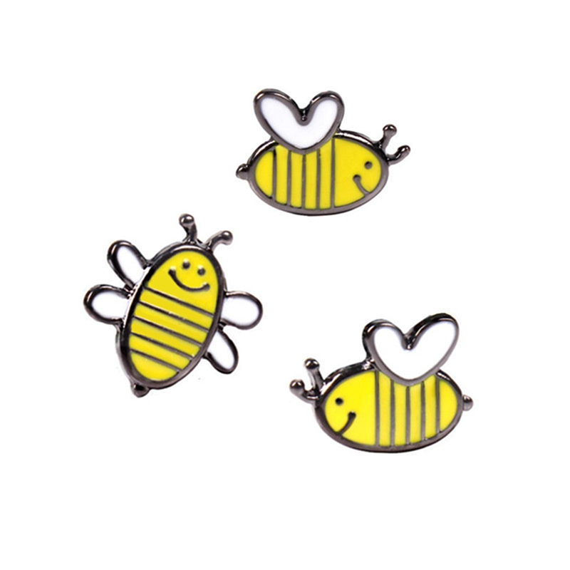 Little Bee Brooches Cartoon Cute Bee Fly Insect Brooch Kids Girls Clothes Accessories Black Yellow Enamel Pin Birthday Gift