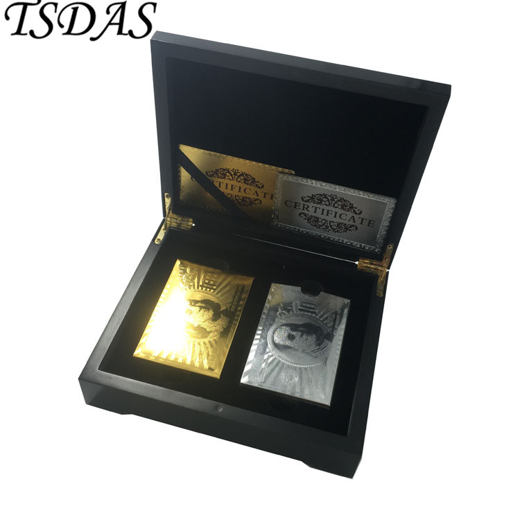 Luxury 24k Gold Poker Card Double Side Inciso USD 100 dollari (oro e argento) Style, 2 Set Gold Playing Card con scatola di legno