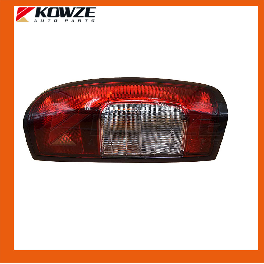 2PCS Left & Right Combination Tail Lamp Rear Light Assy For NISSAN NAVARA D22 26550-2S425 26555-2S425 4121400ak46xa great wall h5 fr combination lamp assy rh