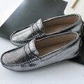 100% novas Mulheres de Couro genuíno Sapatos Mãe Mocassins Mocassins Macios Apartamentos de lazer Feminino Condução Calçados Casuais 7 Cores