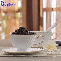 Diagonaal vouw wit koffiekopje en thee set goud omrande eenvoudige mode keramische keuken huishoudelijke artikelen
