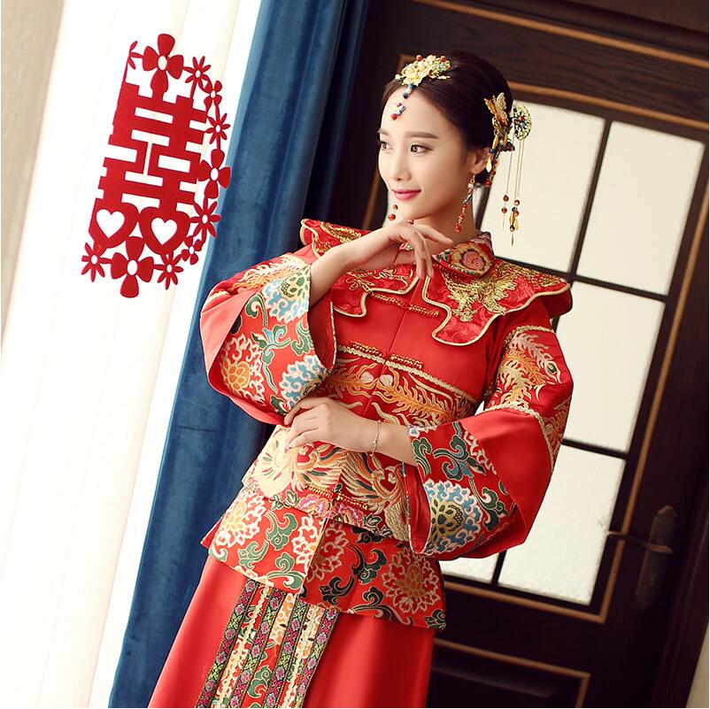 71ef915a7915 Spring and summer clothing Xiu he Chinese red wedding dress bride cheongsam  Phoenix gown Chinese fashion show kimono Outfit-in Cheongsams from Novelty  ...