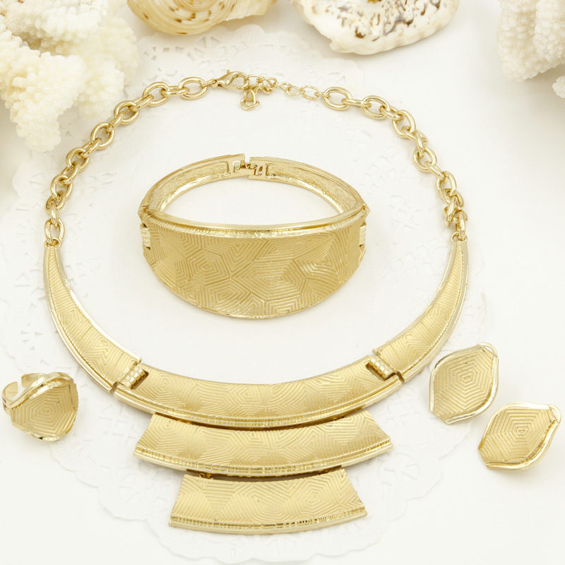 2018 New African Womens Gold Jewelry Sets Necklace Bracelet Ring