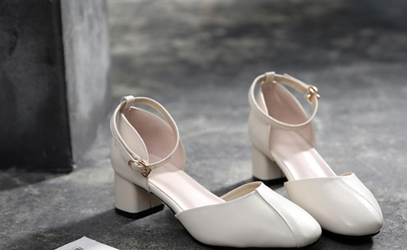 New Fashionable women boots 3 cm for heel
