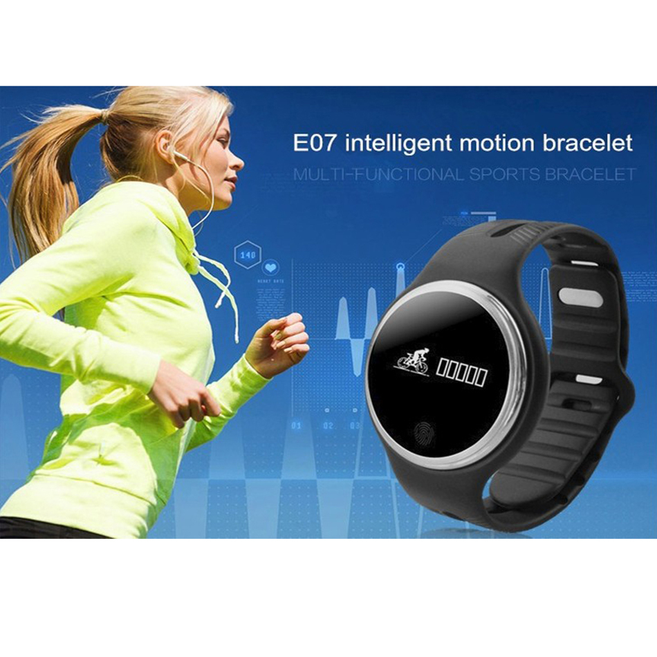 Fitness Bands You Can Swim With: Cheap New E07 Smart Band IP67 Waterproof Swimming