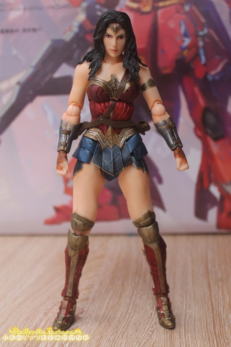 Play Arts Kai Batman v Superman Dawn of Justice Wonder Woman Action Figures Toy
