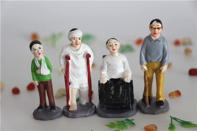 Medical Psychology Teaching Aid Play Therapy Starter Kit  4pcs  Injured Miniatures Kit  Use For Sand Tray Therapy Supplies