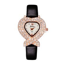 Luxury Rhinestone Kvinnor Klockor Mode Casual Hjärta Quartz Watch Damklänning Klocka PU Läder Armbandsur Relogio Feminino
