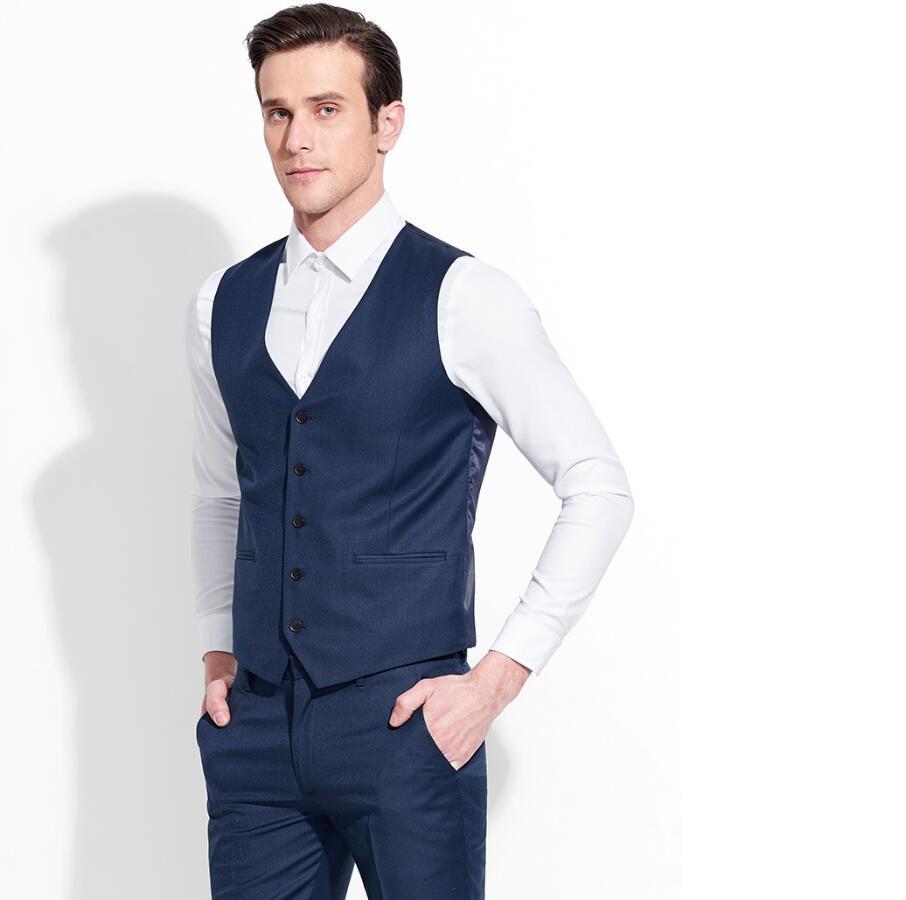 856e3dc2a23 Oscuro traje azul chaleco chalecos de trabajo del hombre de negocios formal v  cuello de un solo pecho de diseño de moda es el traje del novio chaleco en  ...