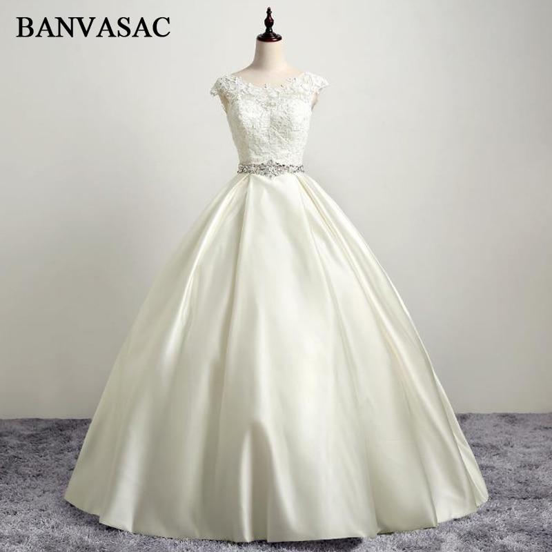 BANVASAC 2017 Nye Elegante Broderi O Nakke Bryllup Kjoler Ærmeløse Satin Bowknot Luksus Kristaller Sash Lace Brude Ball Kjoler
