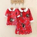 2016 estilo europeo rojo algodón impresión de la flor tres cuartos hasta la rodilla juego de madre e hija vestidos ropa de la familia