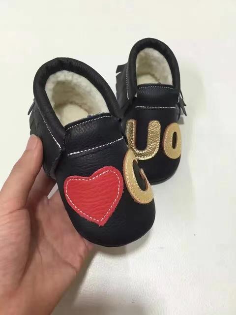 Moda de invierno cálido zapatos de bebé baby girl niños mocasines de cuero genuino zapatos de niños niño mocasines borlas palabra primeros caminante