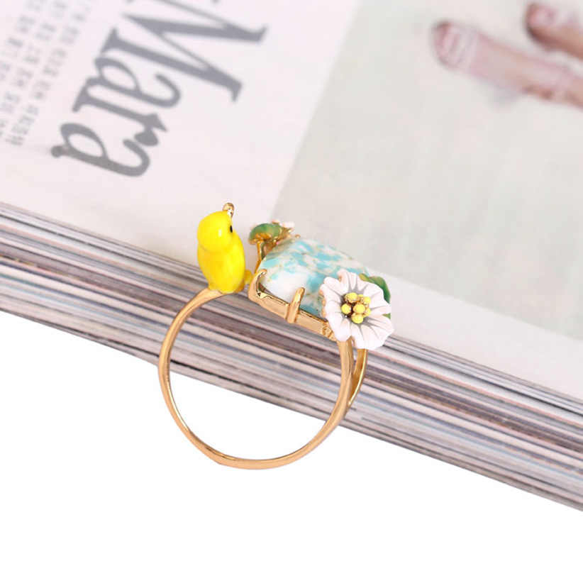 Juicy Grape Indonesia Style Yellow Bird Natural Stone Inlay Rich Color Luxury Enamel Ring 2019 Women Fashion Charm Jewellery