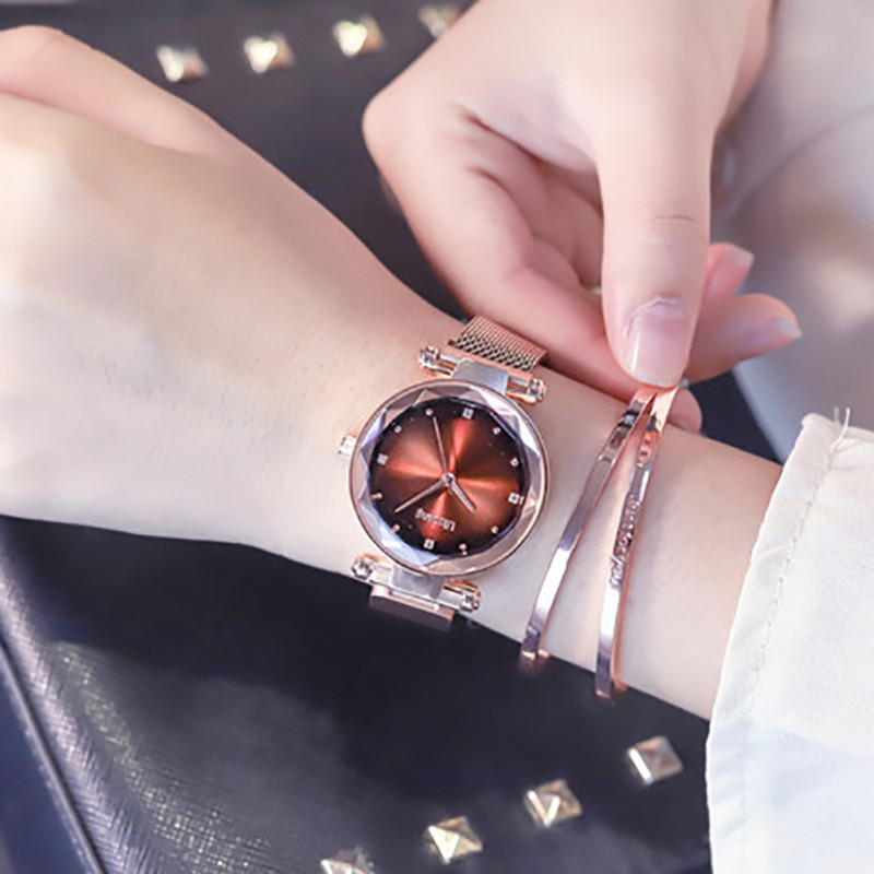 Womens Fashion Prismatic Glass Gorgeous Dial Stainless Steel Bracelet Magnetic Mesh  Quartz Wrist WatchWomens Fashion Prismatic Glass Gorgeous Dial Stainless Steel Bracelet Magnetic Mesh  Quartz Wrist Watch
