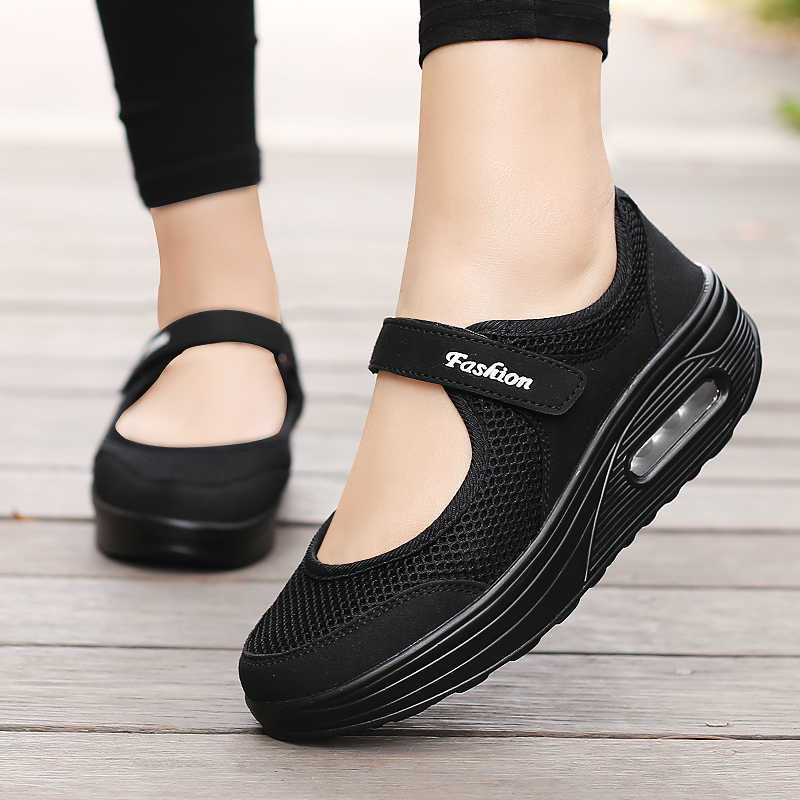 Nuove scarpe Da Ginnastica scarpe Da Tennis Delle Donne di Estate Respirabili Della Maglia di Sport Scarpe Per La Femmina Luce Esterna Runningg Scarpe