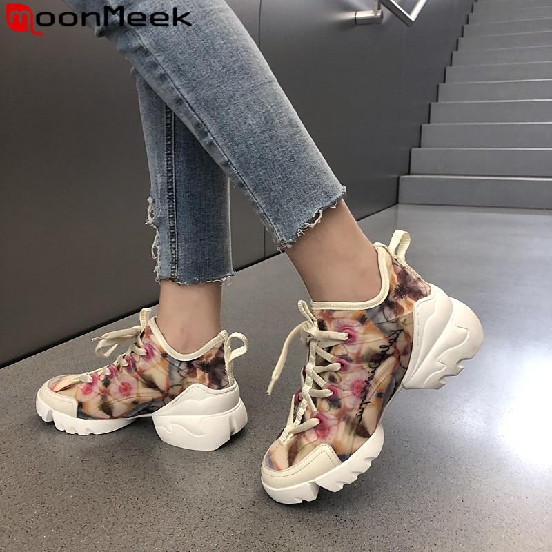 MoonMeek 2019 nowy trampki buty damskie okrągły nosek sznurowane płaskie buty na koturnie proste wygodne kobiety mieszkania buty w Damskie buty typu flats od Buty na  Grupa 1
