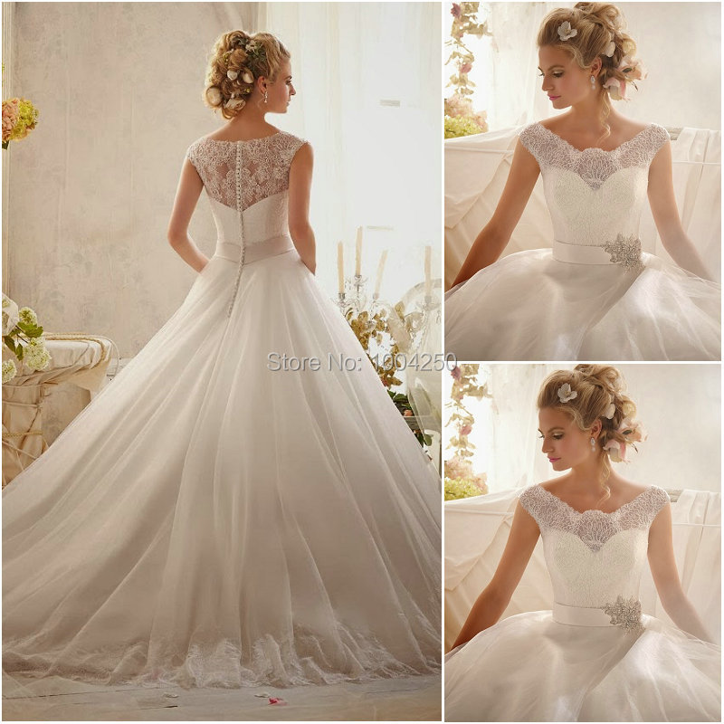 AW002 New Wedding Dresses 2018 Charming Scoop Embroidery Appliques A-line Sweep train Wedding Dress Custom Made Bridal Gowns