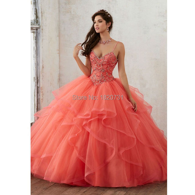 2019 Princess Quinceanera Dresses Spaghetti straps Ball Gown Sweet 16 Prom Dress Beading Sweetheart cheap quinceanera gowns